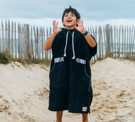 Black & White Kid Surf Poncho