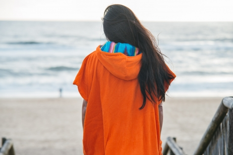 Coral Towel Surf Poncho / Sky Rainbow Pattern