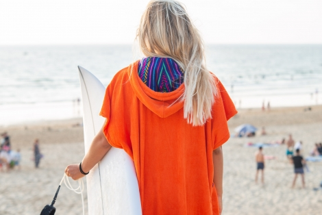 Coral Towel Surf Poncho / Purple Tribal Pattern
